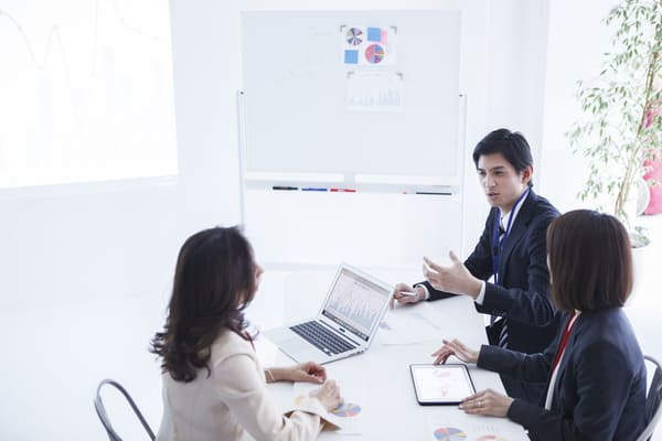 営業アウトソース(営業代行)を活用して人材不足や非効率な組織を改善できる